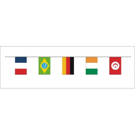 Guirlande 32 nations foot 20*30 cm en plastique
